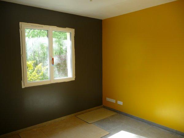 Peinture du bureau le 13 04 2011 blog de oo notrenidouillet oo - Mur gris et jaune ...